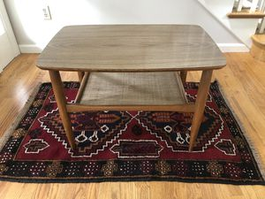 COOL MID CENTURY MODERN MCM COFFEE TABLE OR END TABLE OR NIGHTSTAND WITH TAPERED LEGS AND WOVEN SHELF! for Sale in Sammamish, WA