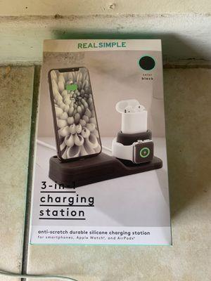 3-in-1 charging station for Sale in Greenacres, FL