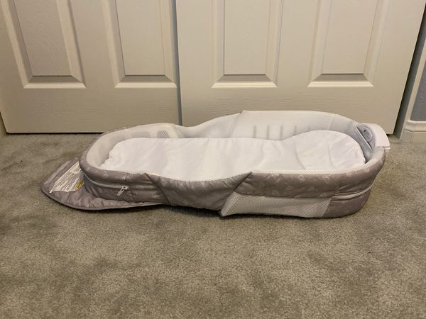 Baby delight snuggle nest Portable infant sleeper