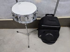 Pearl Snare Drum with Travel Bag and Muffle Pads for Sale in Yalesville, CT