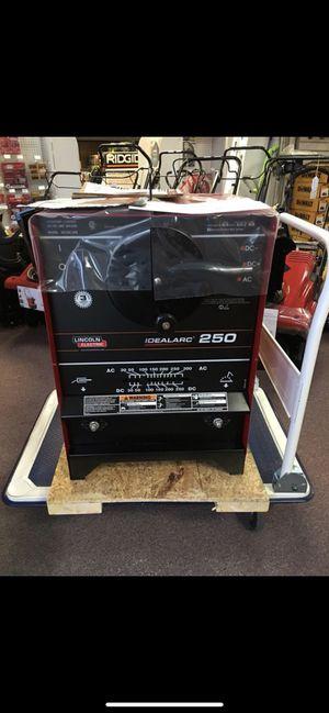 New Lincoln Electric 300amp AC, 250amp DC idealarc Stick Welder. Single phase 208v/230v/460v. MODEL K1053-8 for Sale in Waltham, MA