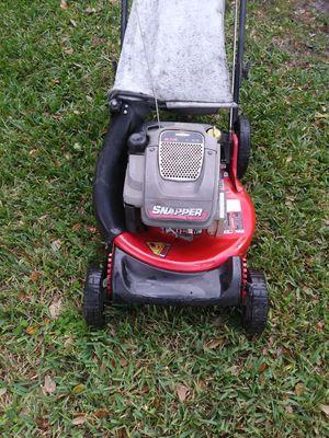 Lawnmower lawn mower snapper ninja one pull start 6.75 Hp rear wheel drive self propelled. for Sale in Hollywood, FL