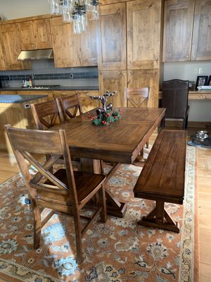 Dining room table set for Sale in Bend, OR