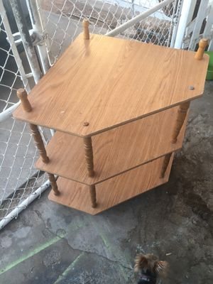 CORNER SHELF UNIT WITH THREE LEVELS for Sale in Henderson, NV
