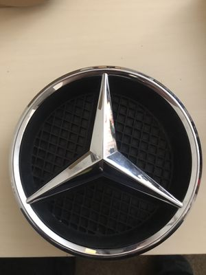 Mercedes Benz genuine star emblem for Sale in Chicago, IL