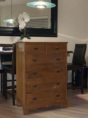 ANTIQUE REAL WOOD 6 DRAWER DRESSER for Sale in Castro Valley, CA