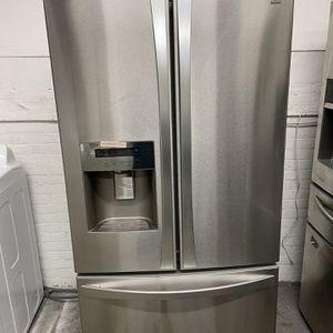 Kenmore Elite Fridge 3 Door for Sale in Meriden, CT