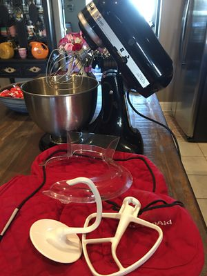Kitchen Aid Mixer for Sale in Gulfport, MS