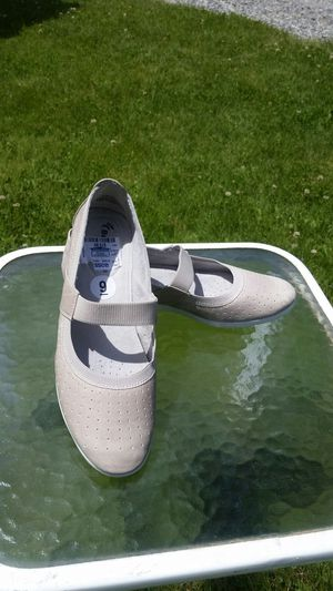 Bare Traps Shoes Size 9 for Sale in Wenatchee, WA