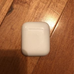 airpods case (CASE ONLY) for Sale in Newburgh, IN