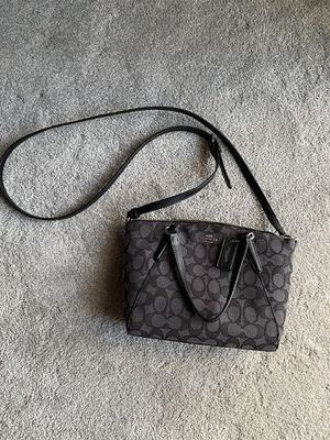 Coach Crossbody purse for Sale in Glenshaw, PA