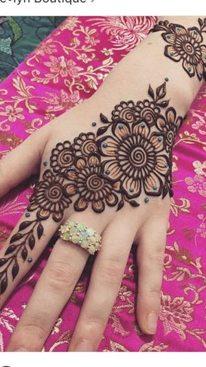 Henna details for ladies for Sale in Dearborn, MI
