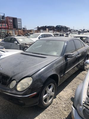 Parting Out! 2006 Mercedes E350 for parts! for Sale in Rialto, CA