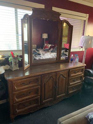 **$200 Oak Bedroom set** for Sale in Ontario, CA