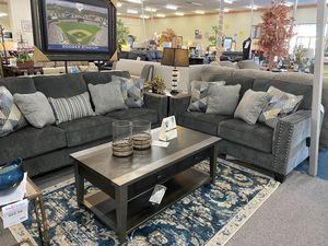 2 piece living room set for Sale in Sacramento, CA