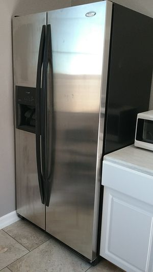 Refrigerator freezer Whirlpool Gold with in door ice & water for Sale in Lancaster, CA