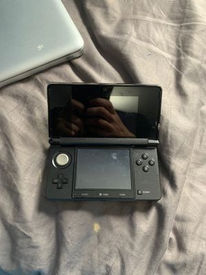 Nintendo 3DS with charger and super Mario game for Sale in Miami Beach, FL
