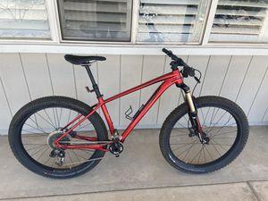 2016 specialized fuse mountain bike size M 27.5+ for Sale in Phoenix, AZ