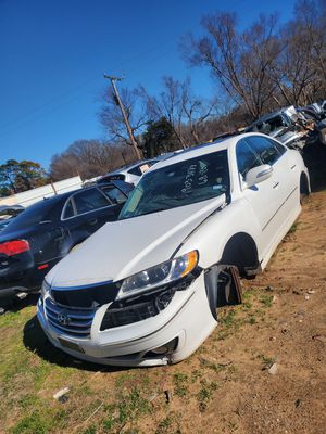 2011 Hyundai azera for parts for Sale in Dallas, TX