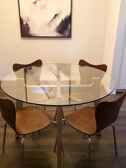 Round Glass Dining Table With 4 Chairs for Sale in Irvine,  CA