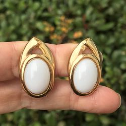 Vintage Trifari Gold Tone White Cabochon Clip Earrings for Sale in Plano,  TX