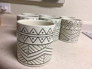 Ceramic pot/vase/decorative accent/container/multi purpose for Sale in Sudley Springs, VA