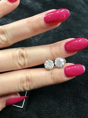 HUGE 4.03 Carat Custom-made Diamond Earrings in White Gold for Sale in Woodbridge, VA