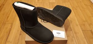 Classic Short UGG boots size 6 and 7 for women . for Sale in East Compton, CA