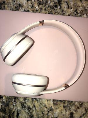 Beats Solo3 Wireless On-Ear Headphones - Rose Gold (Latest Model) for Sale in Lake Worth, FL