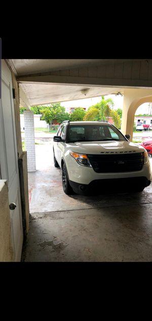 Ford explore 2011 titulo limpio todo perfecto for Sale in Hialeah, FL