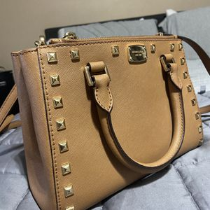 Mk purse for Sale in Everett, WA