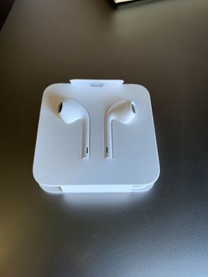Air Earbuds with lightning connector for Sale in Sewell, NJ