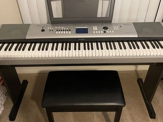 Yamaha Portable Grand DGX-530 for Sale in Tempe,  AZ