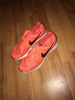 Nike size 7 youth / women's 8/8.5 for Sale in Vidalia, GA