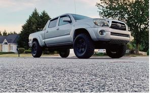 Perfect 2009 Toyota Tacoma 4WDWheels for Sale in St. Petersburg, FL