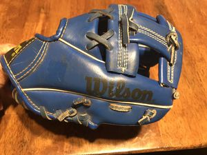Kids baseball glove for 3-4 years old for Sale in Chula Vista, CA
