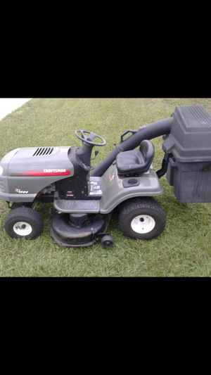 Riding lawn mower tractor with dual bagger system for Sale in Holiday, FL