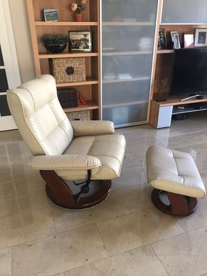 Ottoman and chair for Sale in Coral Springs, FL