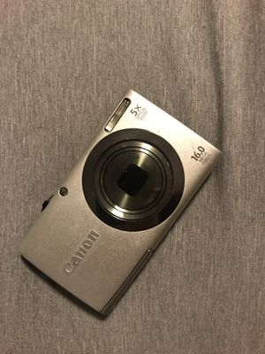 Canon point and shoot camera for Sale in Joint Base Pearl Harbor-Hickam, HI