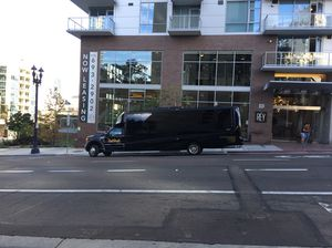 25 passenger 2018 limo bus for Sale in San Diego, CA