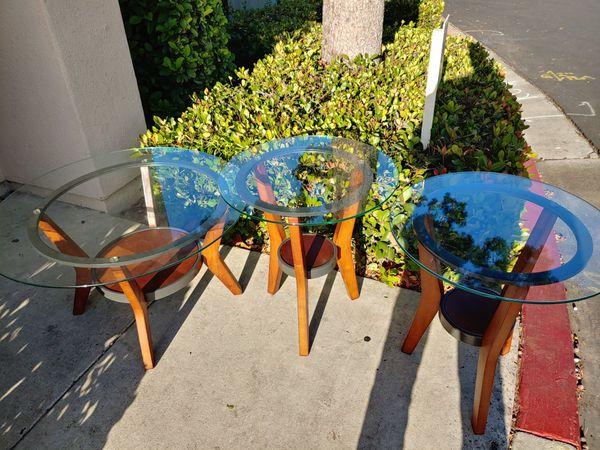 3 caffe table like new