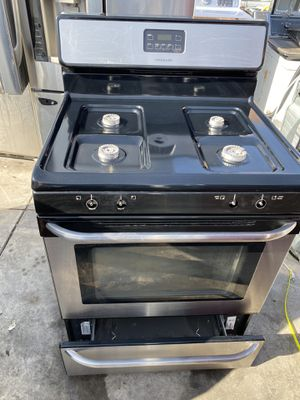 "FRIGIDAIRE GAS RANGE 30 "" FPUR BURNER for Sale in Costa Mesa, CA"