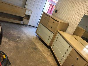 Full bedroom set for Sale in Emmaus, PA