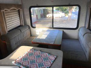 2000 komfort 24Ft travel Trailer for Sale in Pittsburg, CA