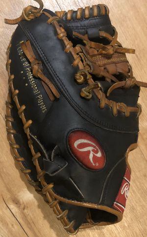 Left-Handed Throw Rawlings First Base Baseball Mitt for Sale in Hacienda Heights, CA