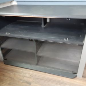 TV Stand FREE for Sale in Manteca, CA