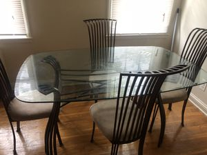 Donning room set and round living room set for Sale in Baltimore, MD