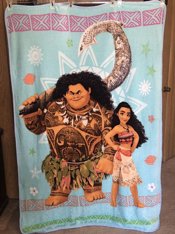 Jay Franco Super soft fleece Disney Moana throw blanket