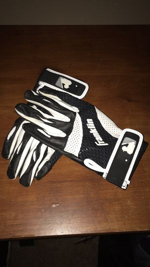 Baseball gloves for Sale in Pawtucket, RI