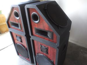 "Prostudio speakers 15"" speakers top and side.. for Sale in North Little Rock, AR"